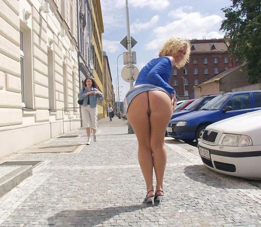 Eastern European Public Ass Flash - Booty of the Day