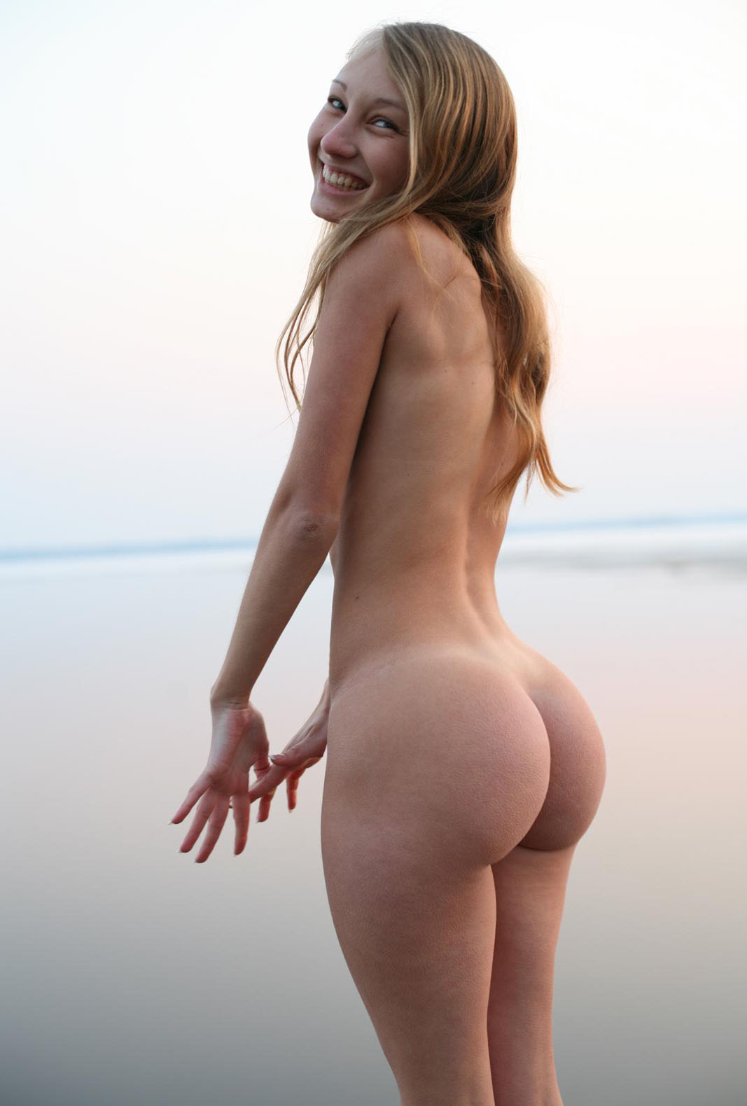 image Lulu exercises naked and shows off allnatural body
