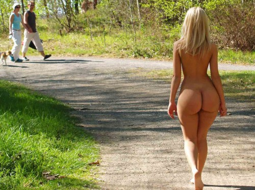 Huge asses walking