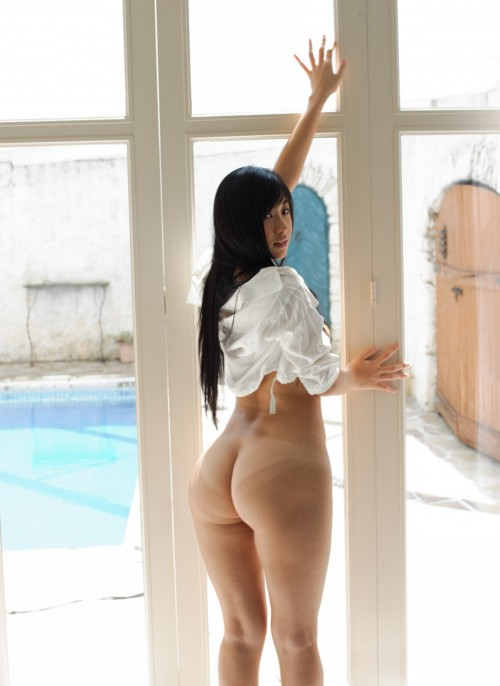 big-butt-by-the-window