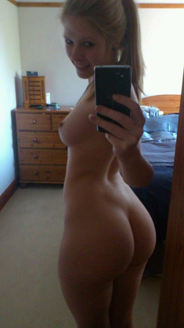Girl naked mirror teenage