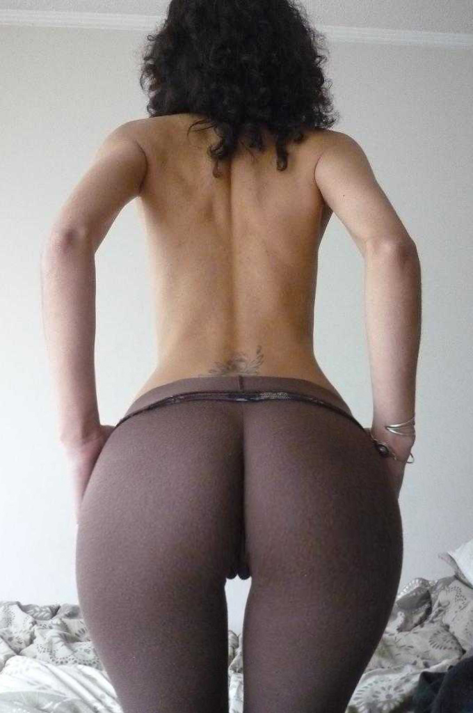 Booty in yoga pants pics