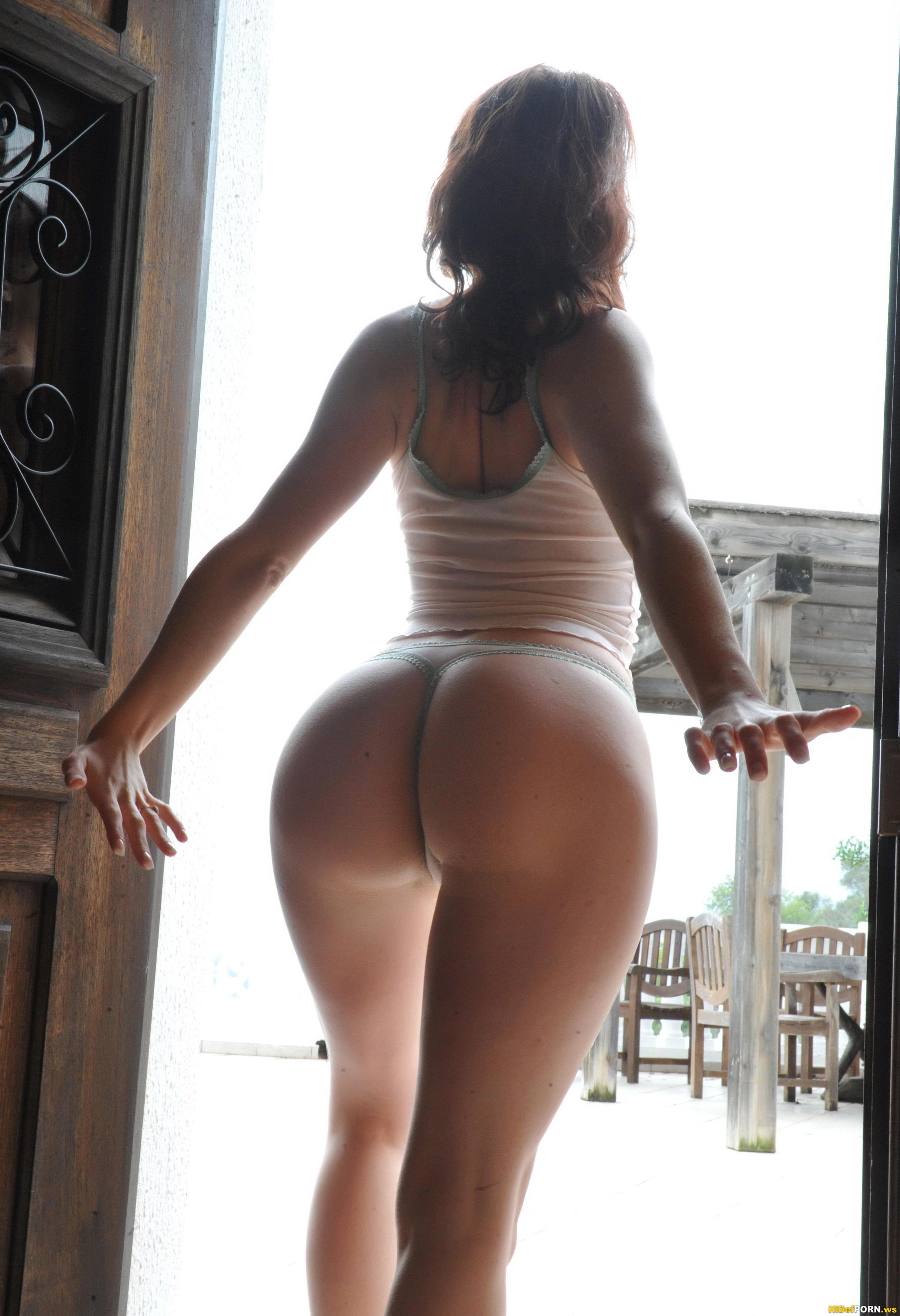 Sexy round ass videos