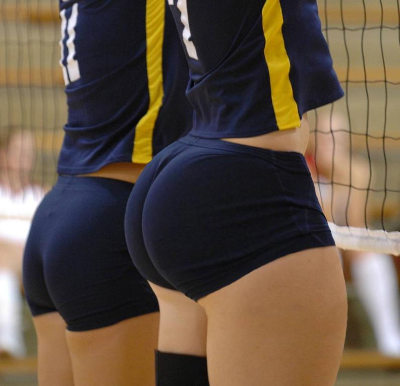 sportsmenka-s-zhopoy