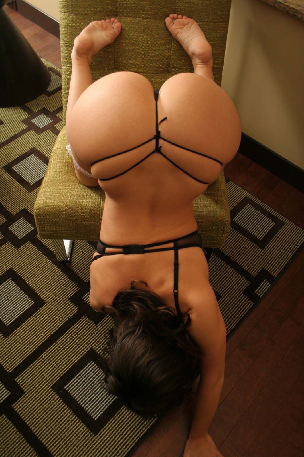 hot girl naked ass bang upside down