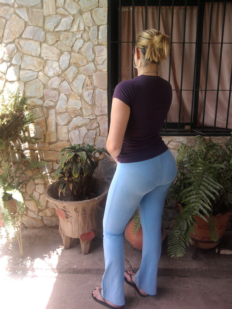 Thick milf in yoga pants