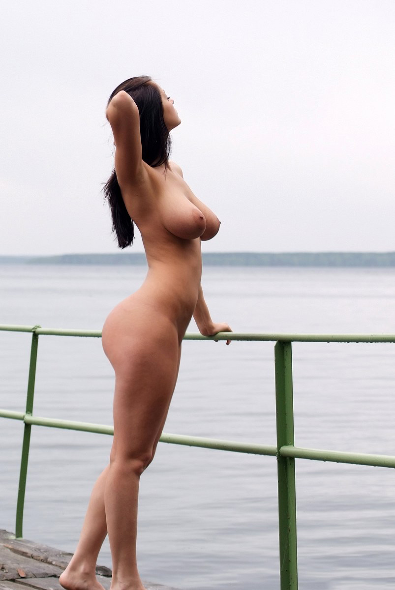 Nude Beautiful Curvy Women
