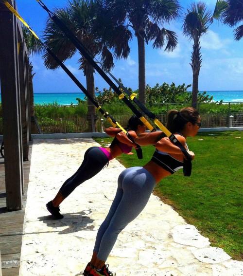 raquel welch sexy yoga pics