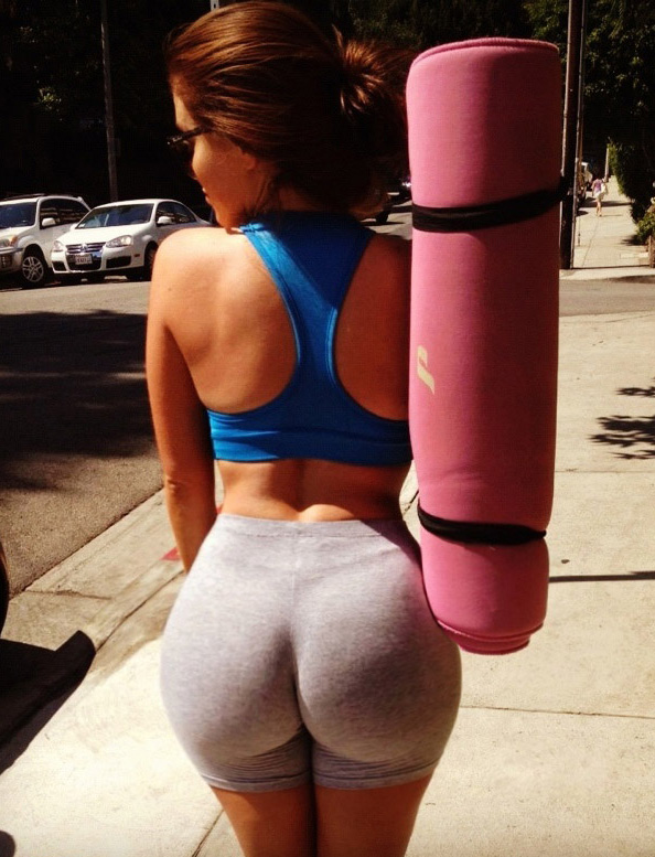 Biggest Ass In Yoga Pants - Mega Porn Pics-1096