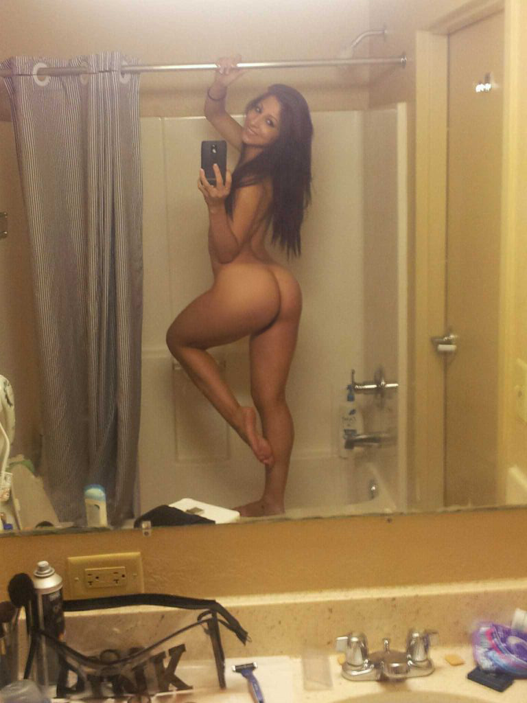 Thick Naked Girl Self Shot