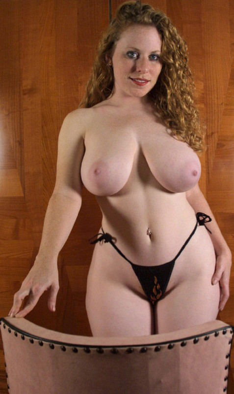 thick naked busty curvy women