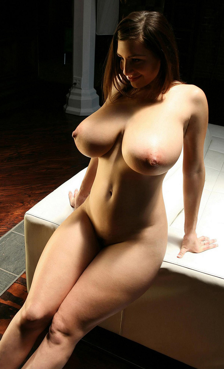 Voluptuous Tits Photos 74