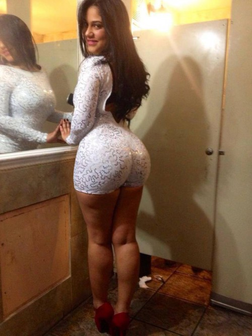 dogs and Big ass brazilian girls want meet sweet and