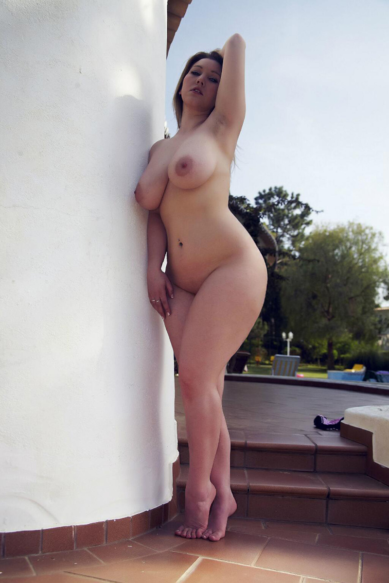 Big and curvy women