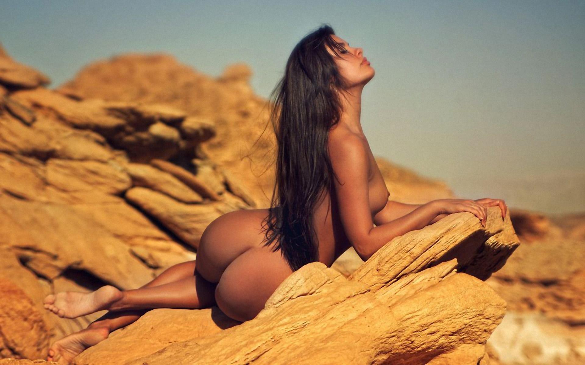 Фото и клипы голых женщин 20 фотография