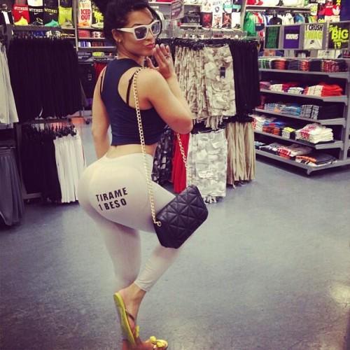 Multiple cumshots in her ass