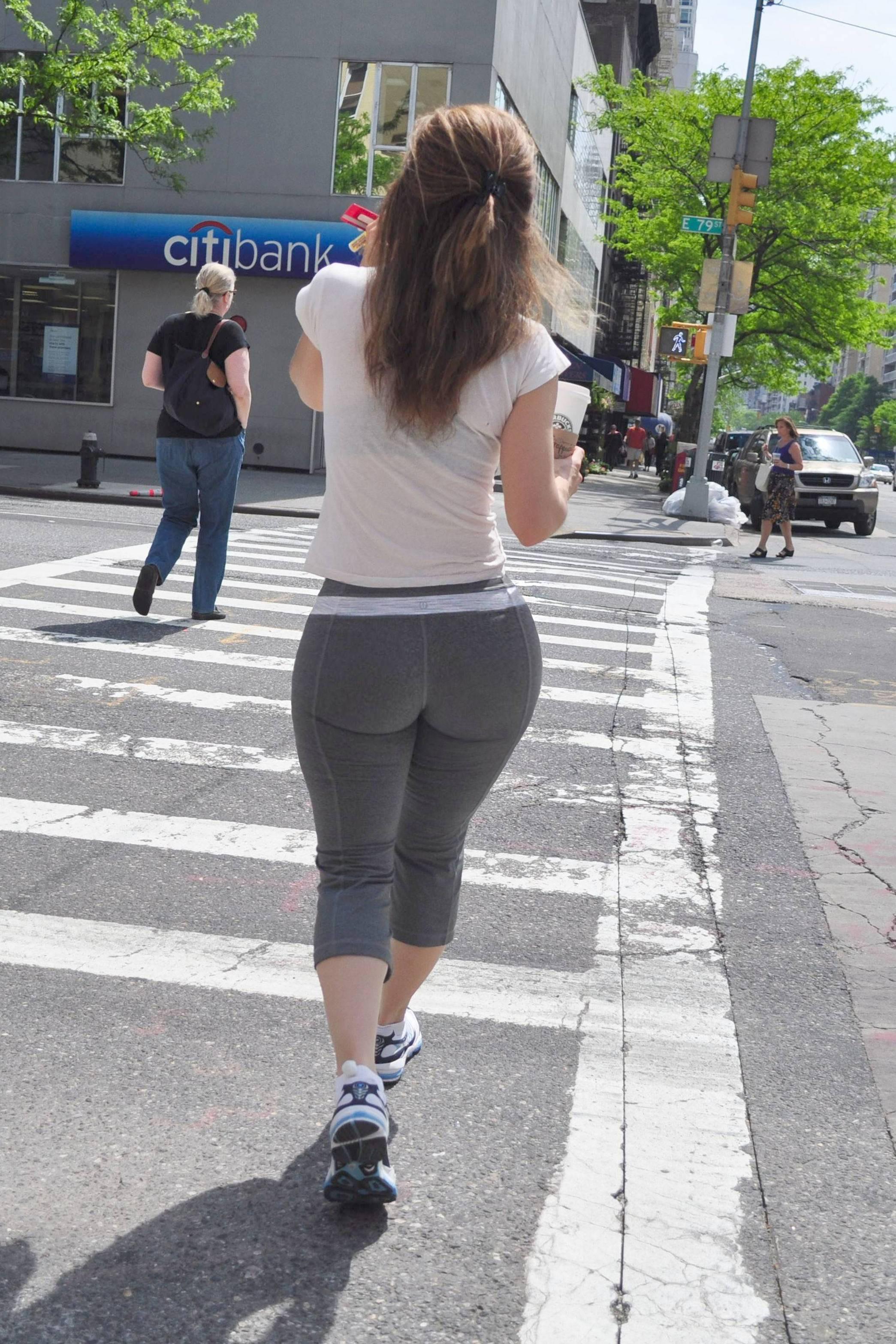 Jogging Milf Ass
