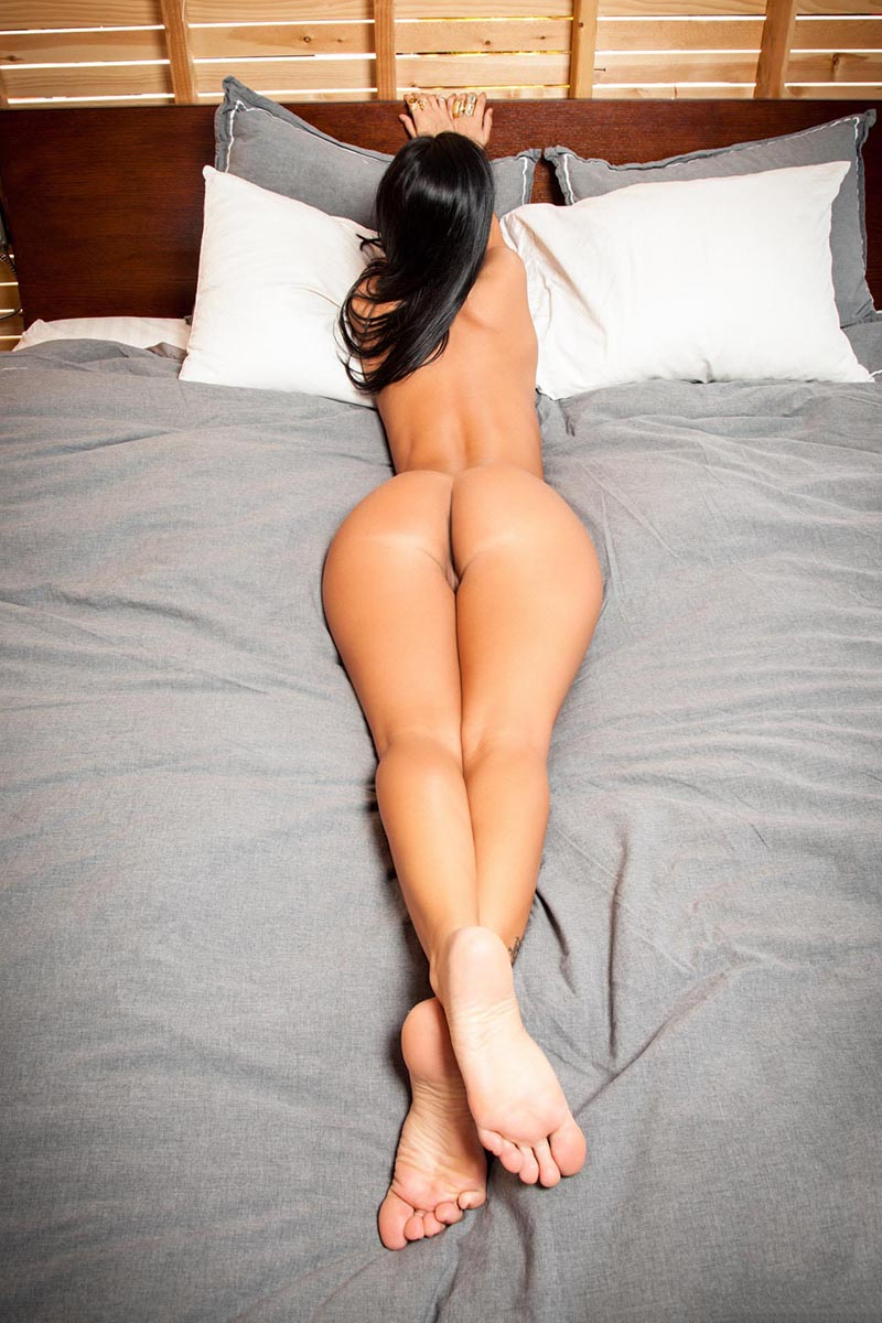 Big ass in bed nude images 886