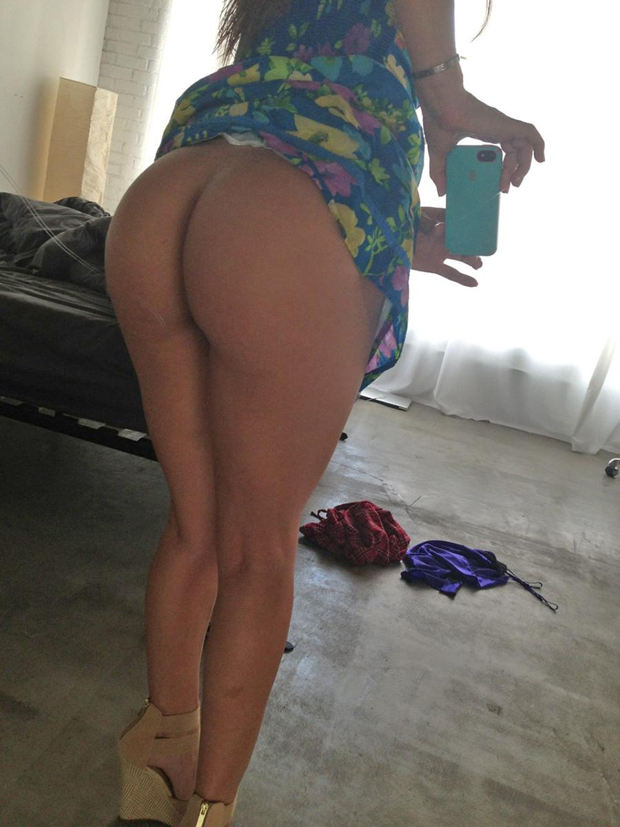 Bikini Naked Bathroom Selfie Scenes