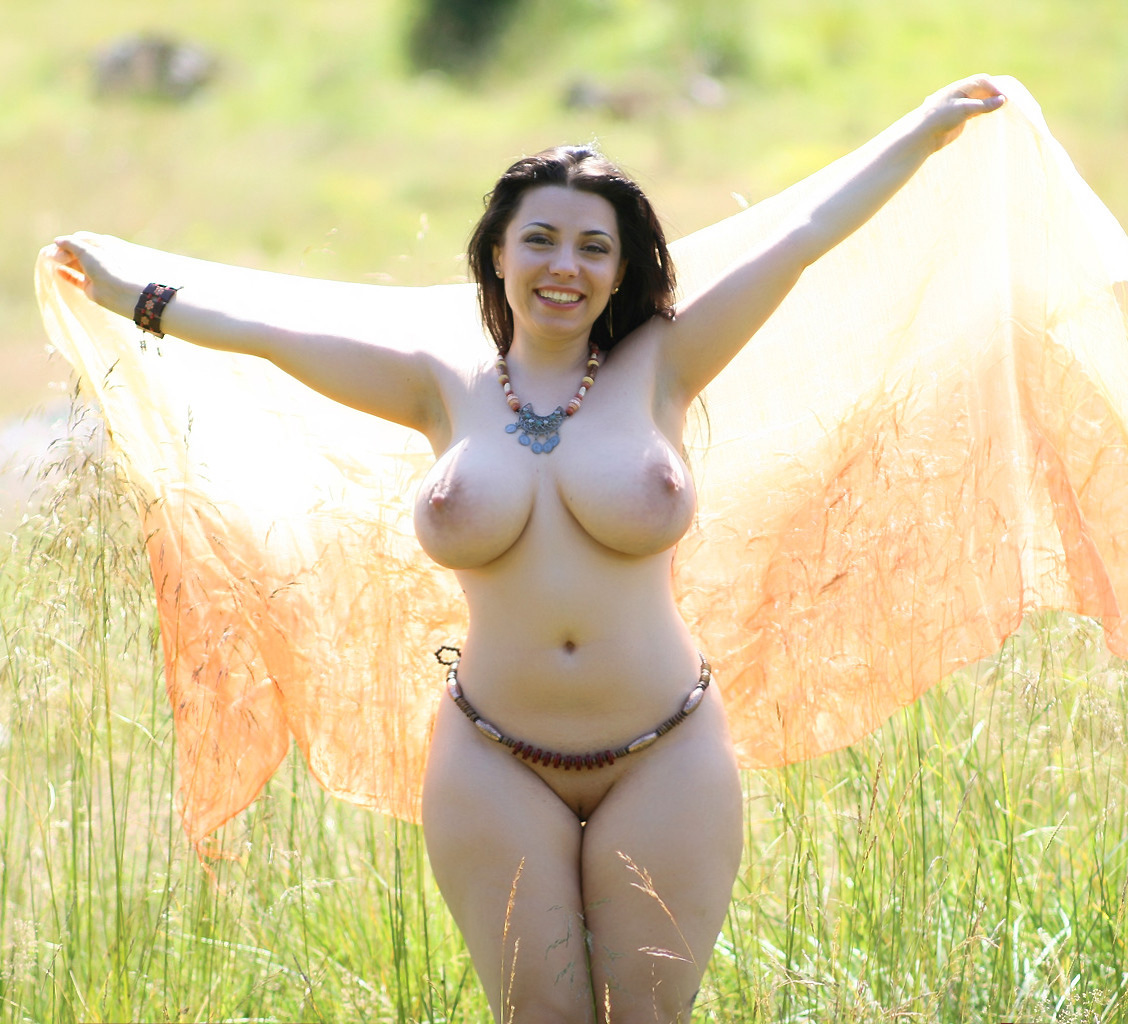 voluptuous babes breasts and hips posing jpg 853x1280