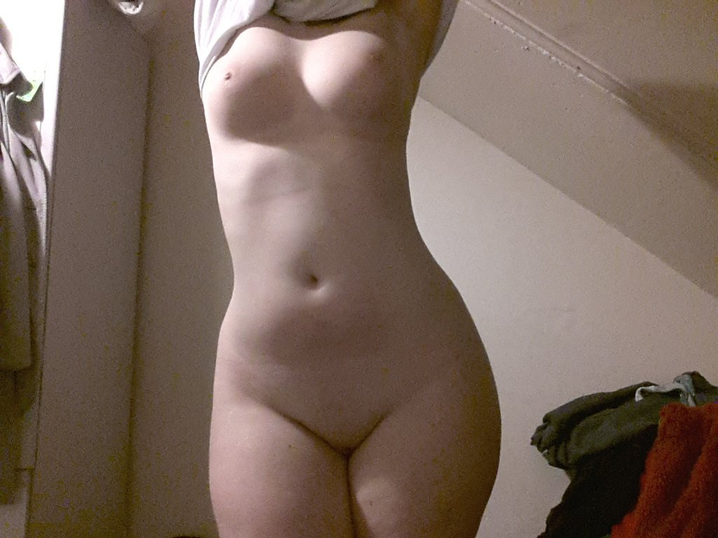 Amateur curvy woman