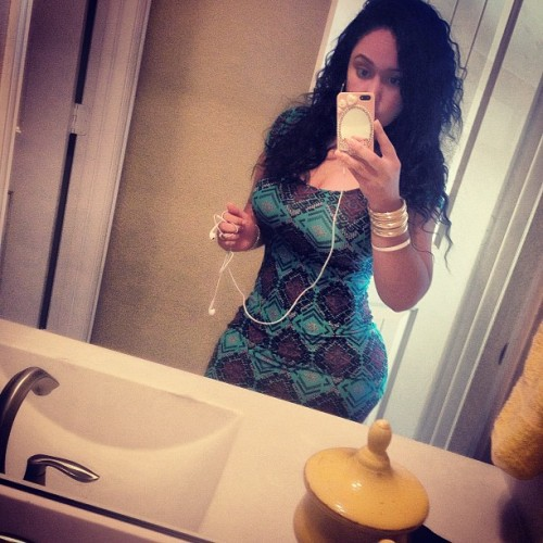 curvy-thick-instagram-girls-11