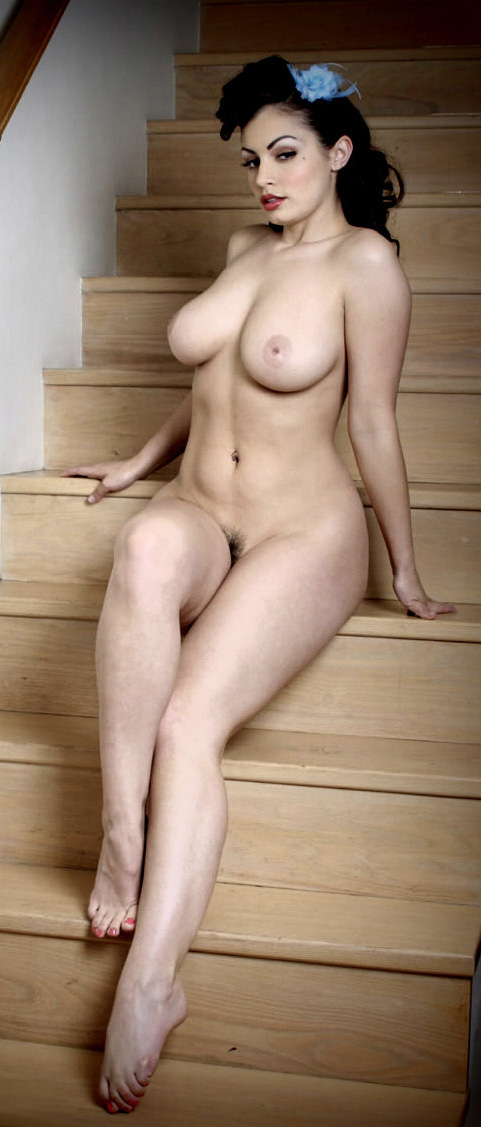 Thick Milfs and Cougars