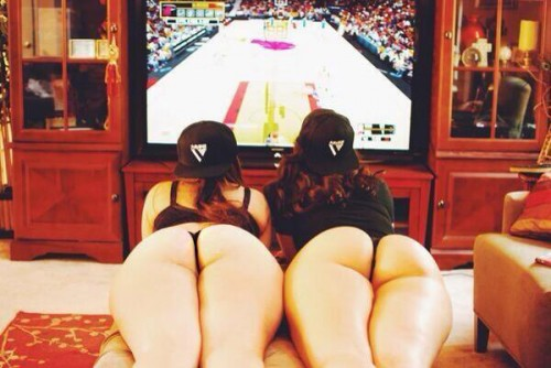 gamer-girls-watch-them-play