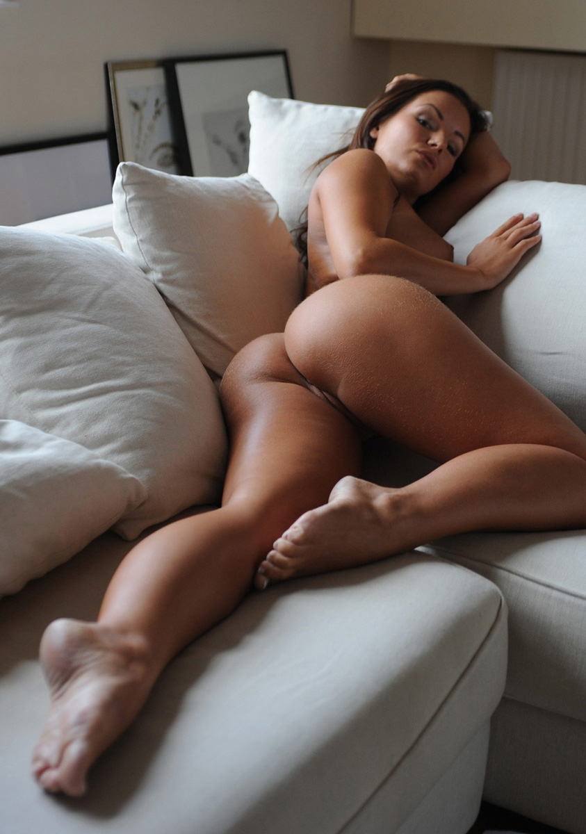 nudes on the couch