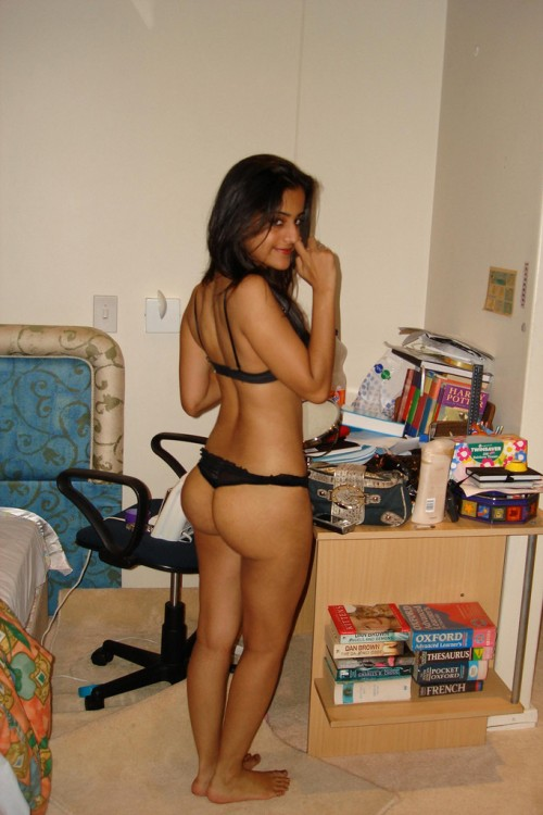 Desi Cutie With A Booty-7374