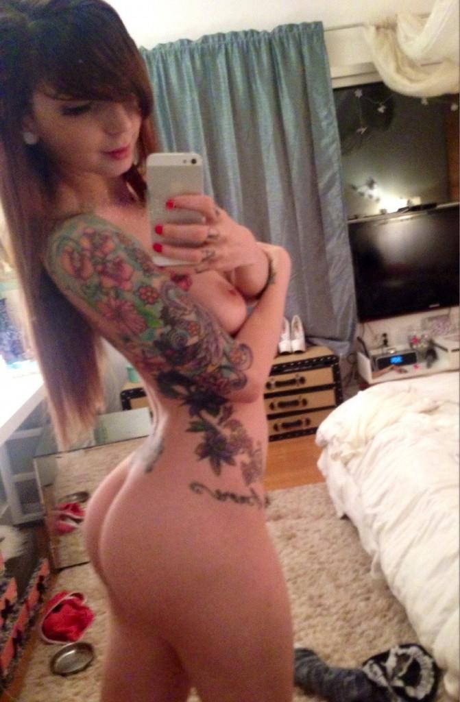 Sexy tattooed girls naked self shots #1