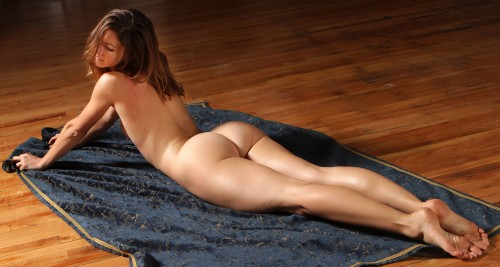 big-booties-on-the-floor-10