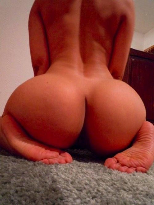 big-booties-on-the-floor-3