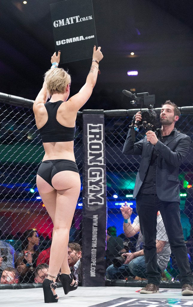 Mma Ring Girl Booty-5635