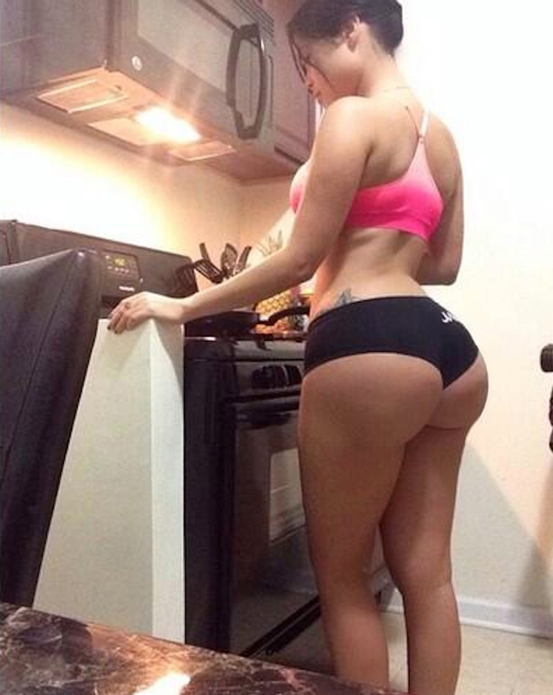 See what russian housewives do when she alone at home 2 6
