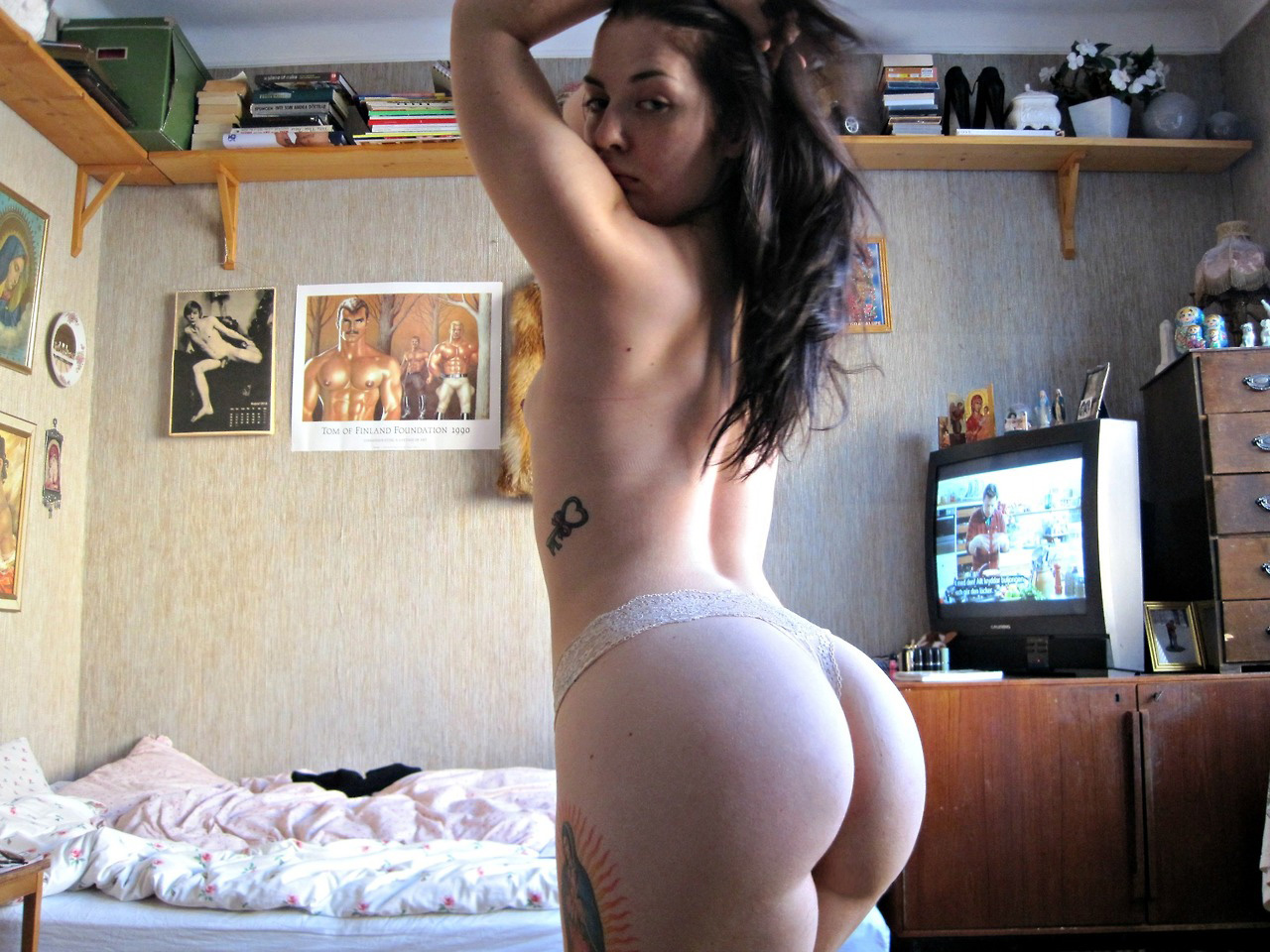 nude booty indian pose