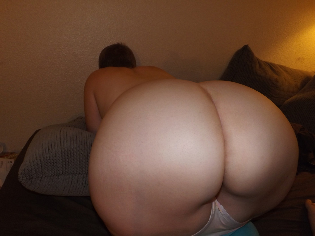 naked wife booty bent over