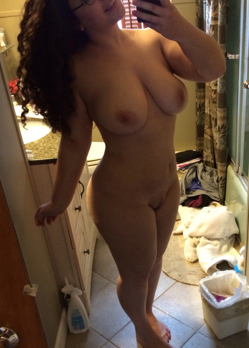 thick-nude-selfies