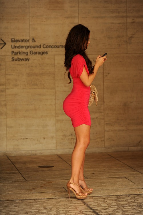 big-booty-tight-red-dress
