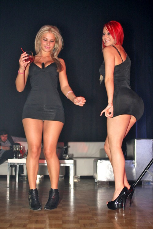 club-girls-party-girls-strippers-3
