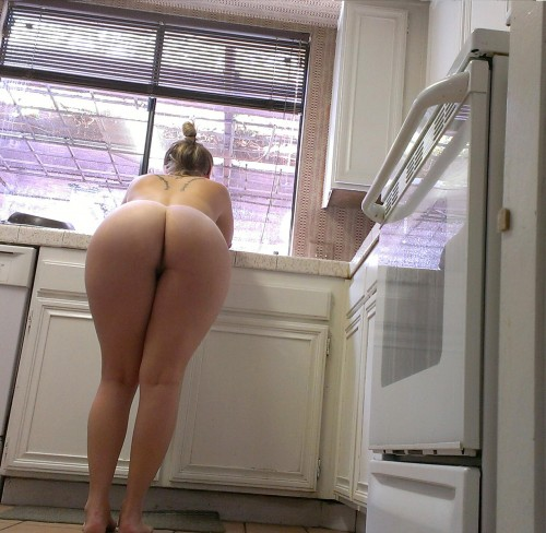 Kitchen Counter Booty