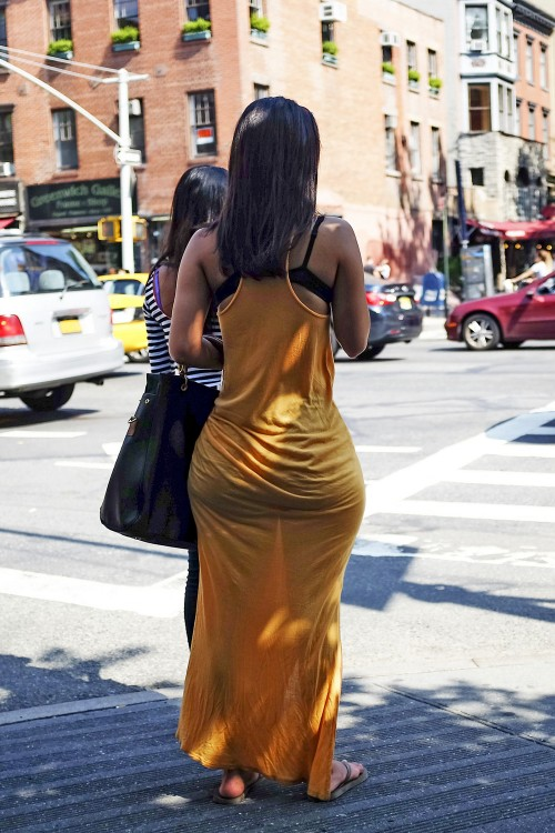 see-through-street-booty