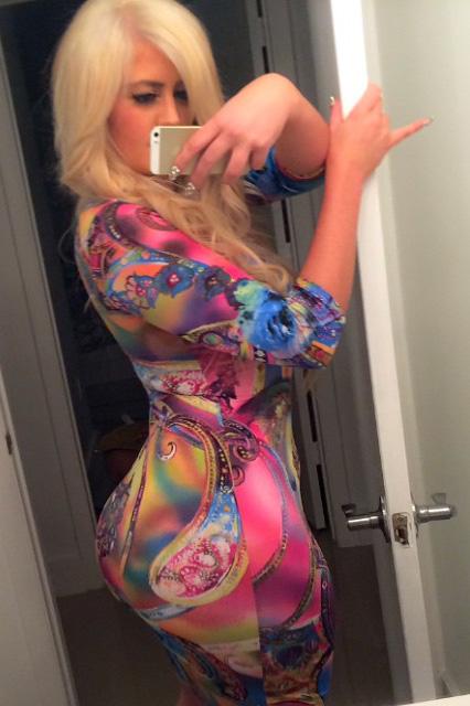 curvy-girls-in-dresses-13