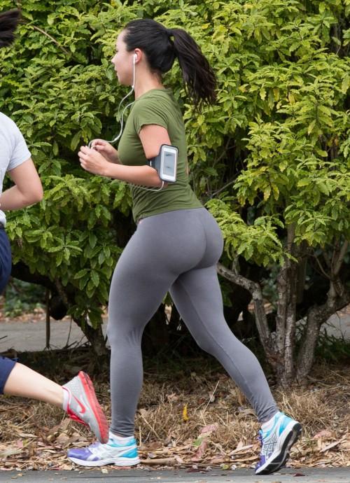 jogger-booty