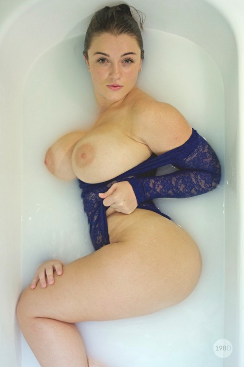 diane neal nude pictures