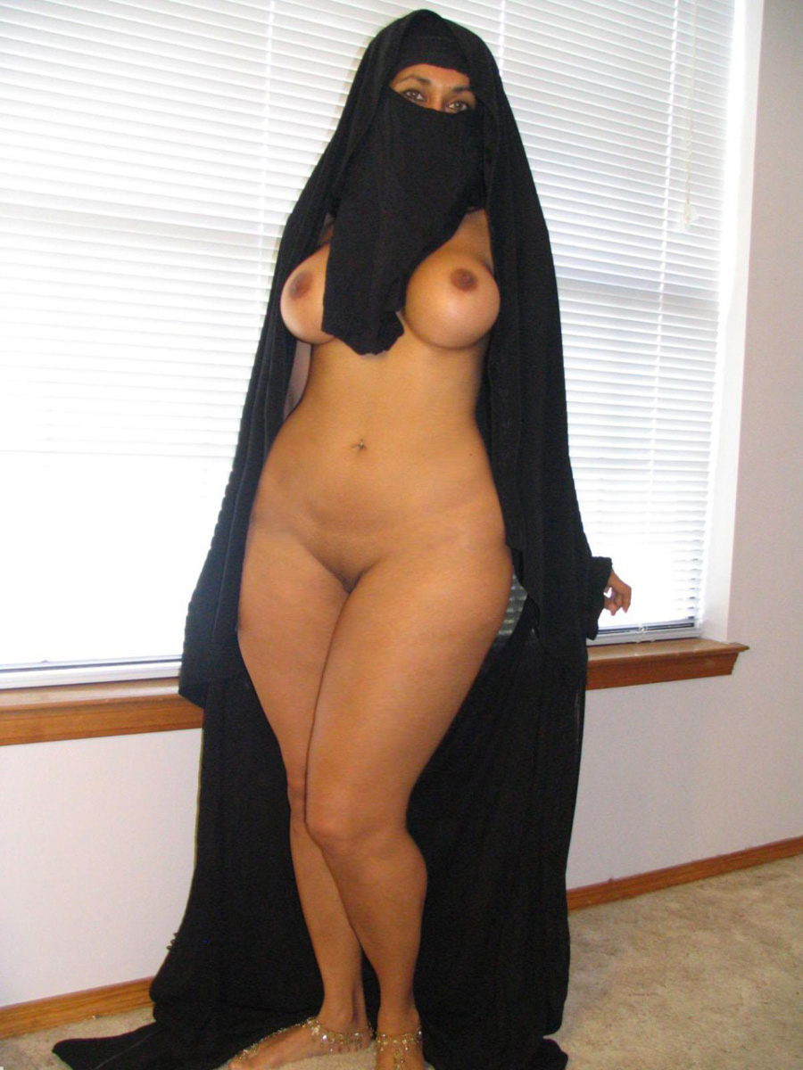 Hot Naked Middle Eastern Women