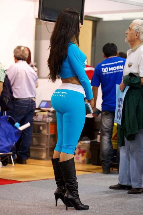 big-booty-girls-in-yoga-pants-p6-11