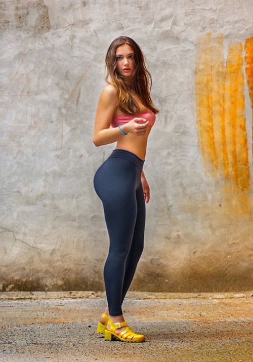 Bubble Butt in Yoga Pants by BellyM on DeviantArt