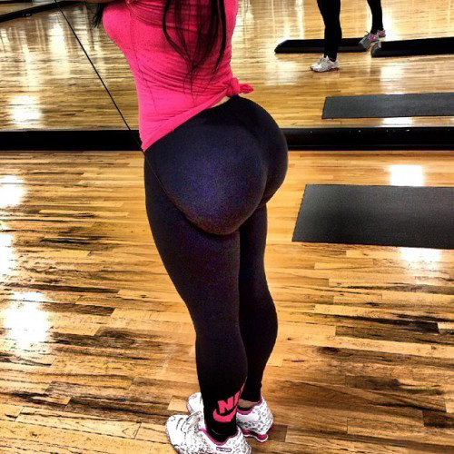 big-booty-girls-in-yoga-pants-p6-8