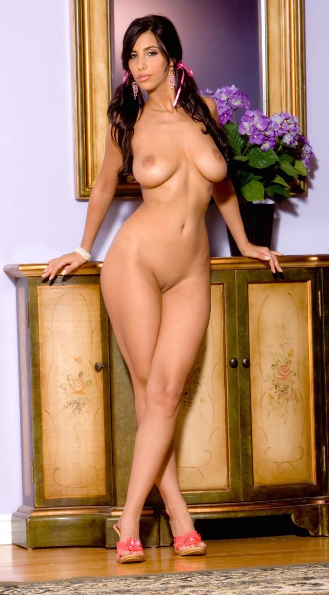 Mamacita women nude